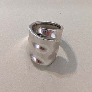 Jewelry - Sterling Silver Wrap Around Ring Size 6